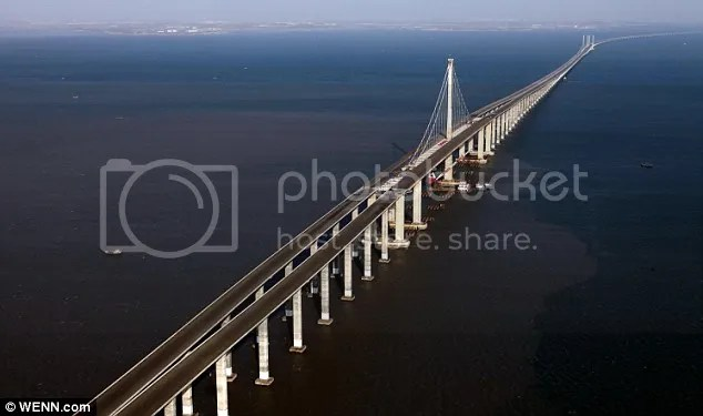 Jembatan terpanjang ini dibangun salah satu tujuannya ternyata hanya untuk menyingkat jarak tempuh 20 menit dari 2 kota yang berhubungan