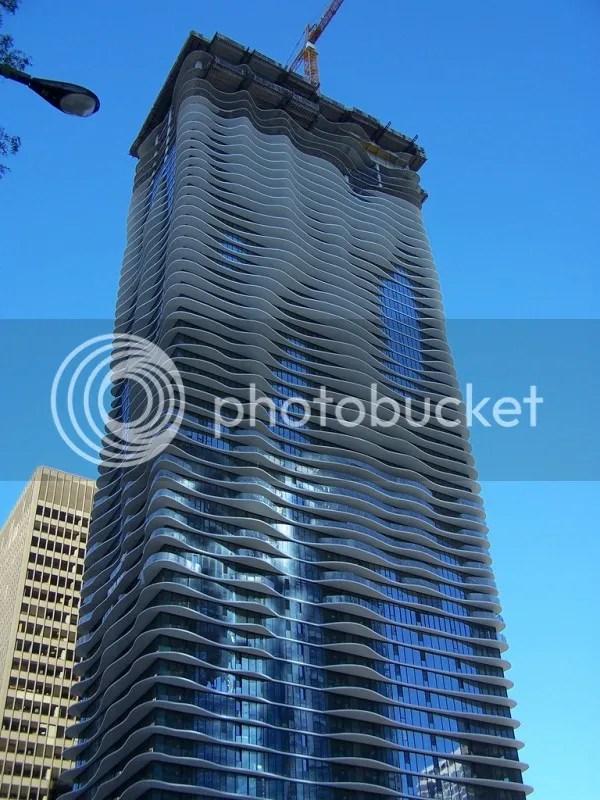 gedung paling unik aqua tower