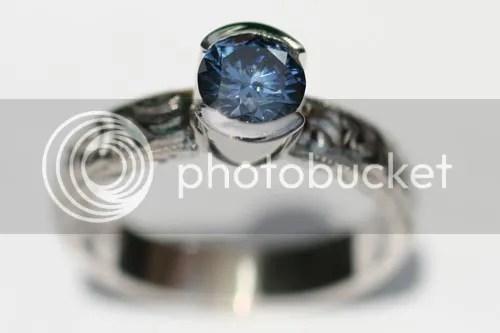 Inilah salah satu contoh berlian yang dibuat dari abu jenasah