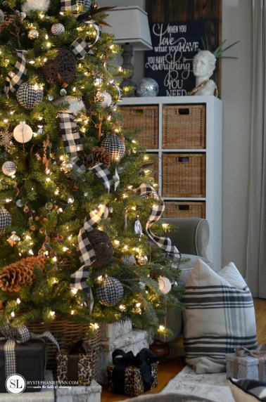 Themed Holiday Christmas Decor 2017