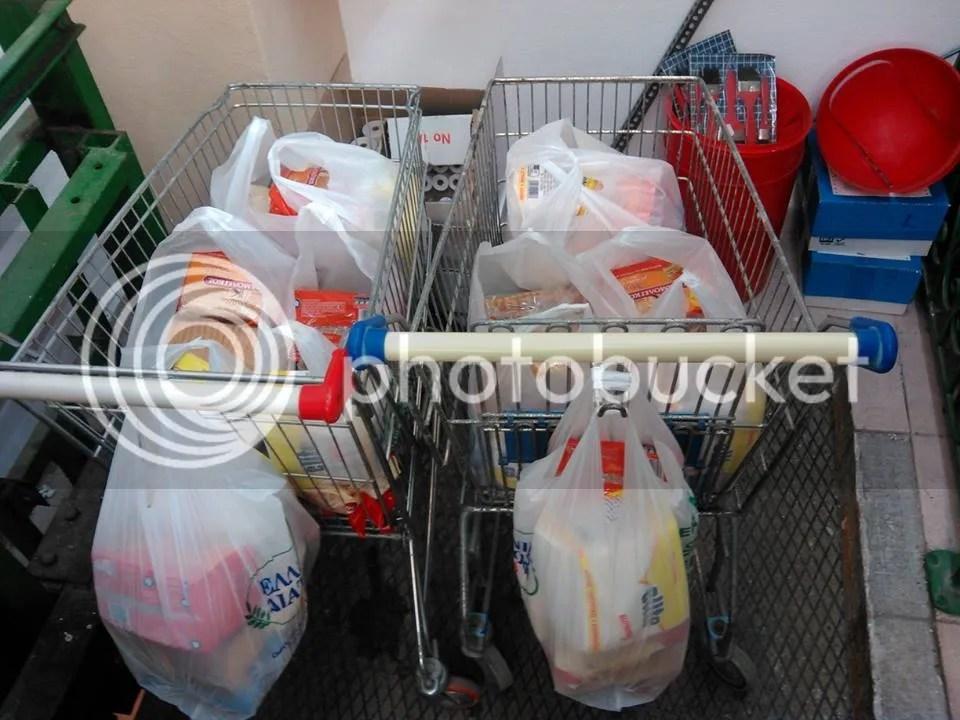 τρόφιμα και είδη πρώτης ανάγκης για το Κοινωνικό Παντοπωλείου Φανών