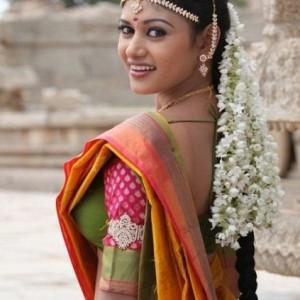 Priyamanaval Fame TV Serial Actors Sivaranjani And Vijay Get Married