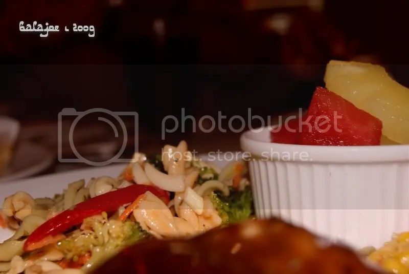 Mix of pasta, fruits and chicken