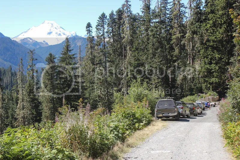 Parking at Yellow Aster Butte