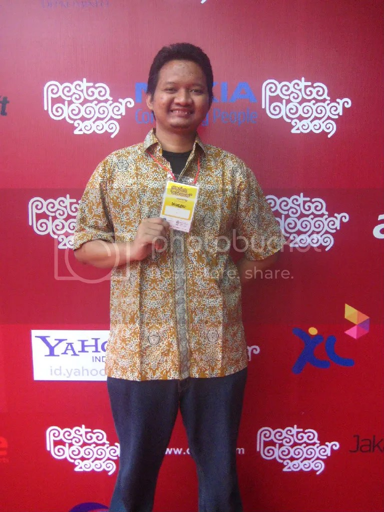 Alif Harsan, Game Developer dan juga penulis buku Bengkel Facebook
