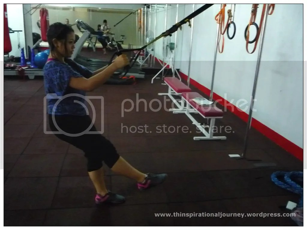Body Weight one leg squat on TRX