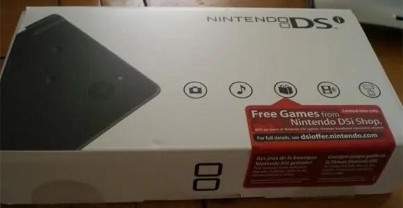 Nintendo DSi yang dirilis di Amerika