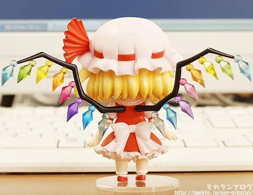 Nendoroid Flandre Scarlet - rear view