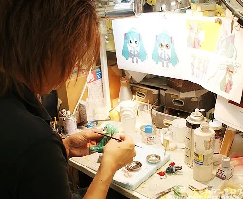 Miku wears glasses spotted at the design/illustration!
