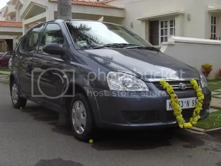 Rajus Car dressed up for the Pooja
