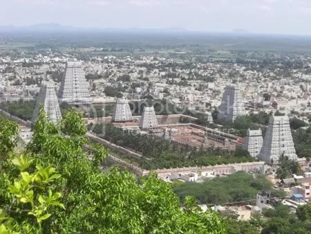 The Tiruvannamalai Temple Grounds