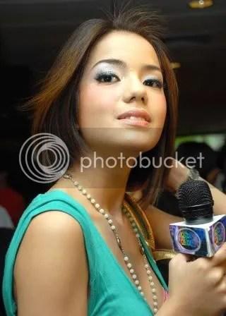 Foto Telanjang Sheila Marcia