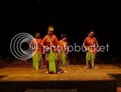 pementasan tari srimpi ABG oleh jeng Marlene, Asih, dewi dan Sii Nur