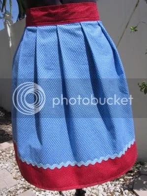 Gertrude apron
