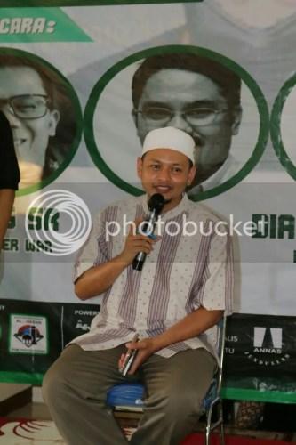Membahas wacana 'Muslim Cyber Army' di Cileunyi, Bandung.