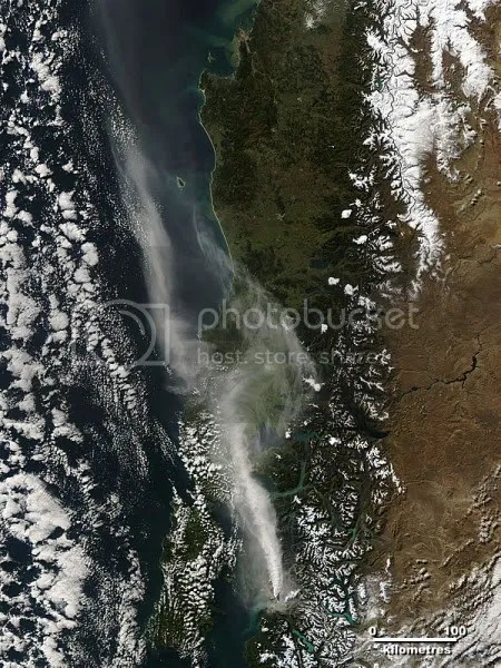 Chaitén eruption plume at 18:40 UTC on 28 May 2008 (NASA)