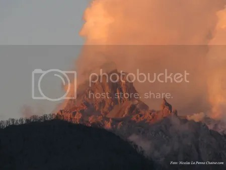 Chaiten Volcano 17 March 2009 (photo Nicolas La Penna Chaitur.com)