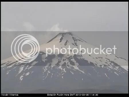 Villarrica volcano 5 March 2010 (OVDAS Pucon webcam)