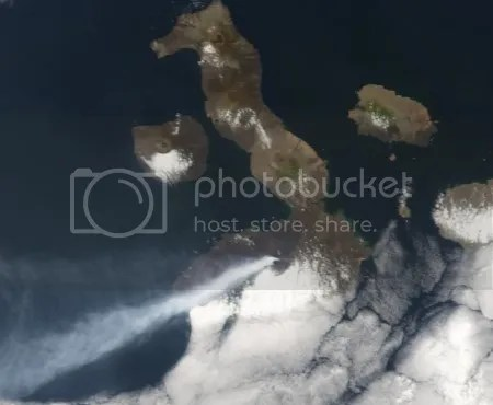 Sierra Negra volcano in the Galápagos erupting, 22 October 2005 (NASA Earth Observatory image: Terra/MODIS)