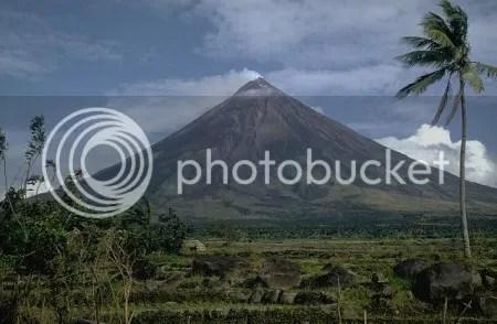 Mayon Volcano, Philippines, 1968. (Photo: Kurt Fredrickson, Smithsonian Institution)