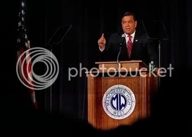 Governor Richardson speaks of service
