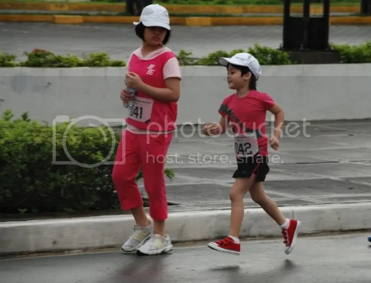 Sofia and Mikka running together