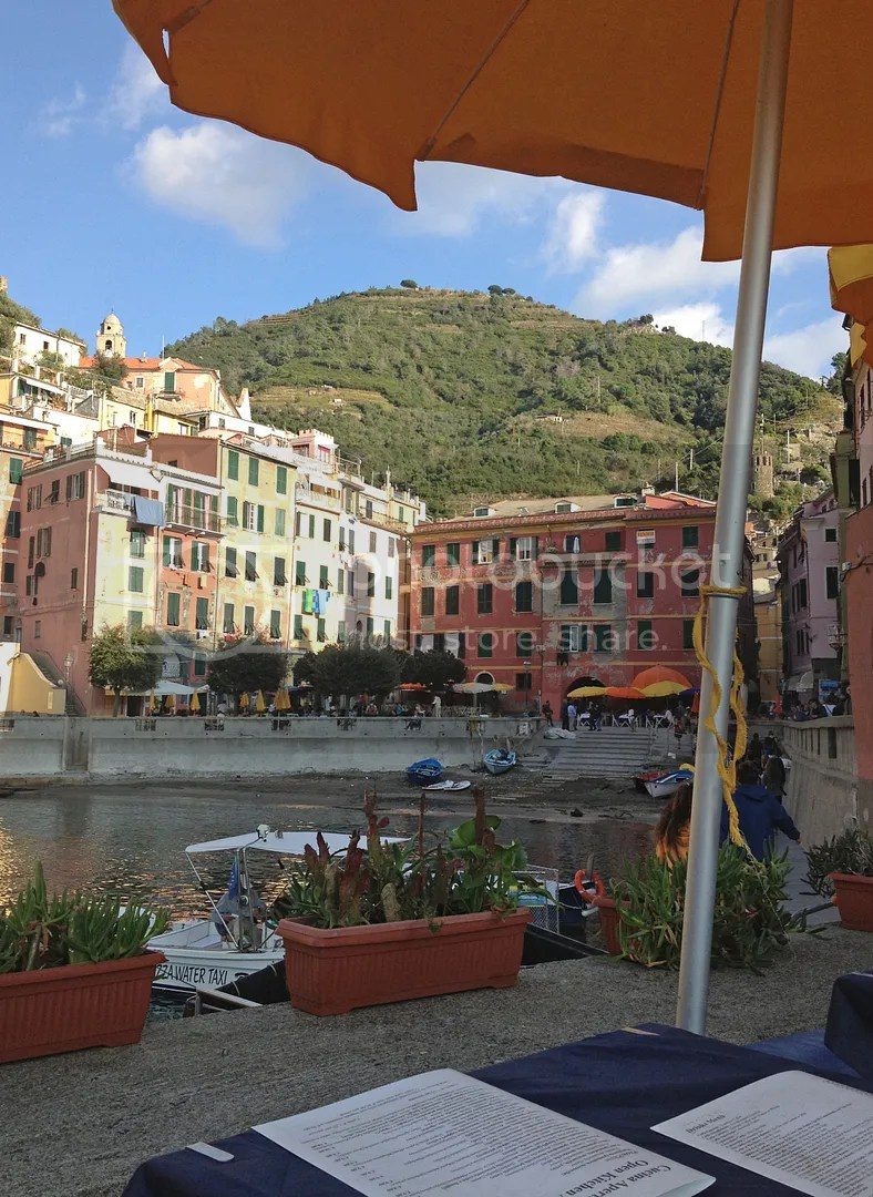 photo Vernazza-Lunch_zpszrunh0cb.jpg