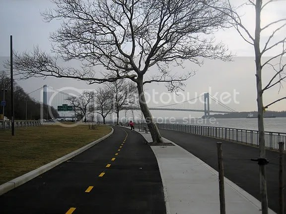 The amazine Shore Promenade biking/walk path
