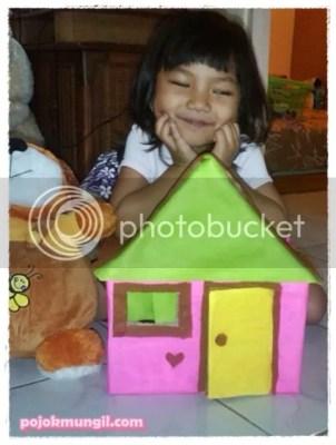 rumah boneka dari kardus