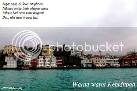 Warna-warni Kehidupan, Foto ini kuambil di Selat Bosphorus, Istanbul, Turkey, tanggal 15 Februari 2012, pukul 09.43 waktu setempat.