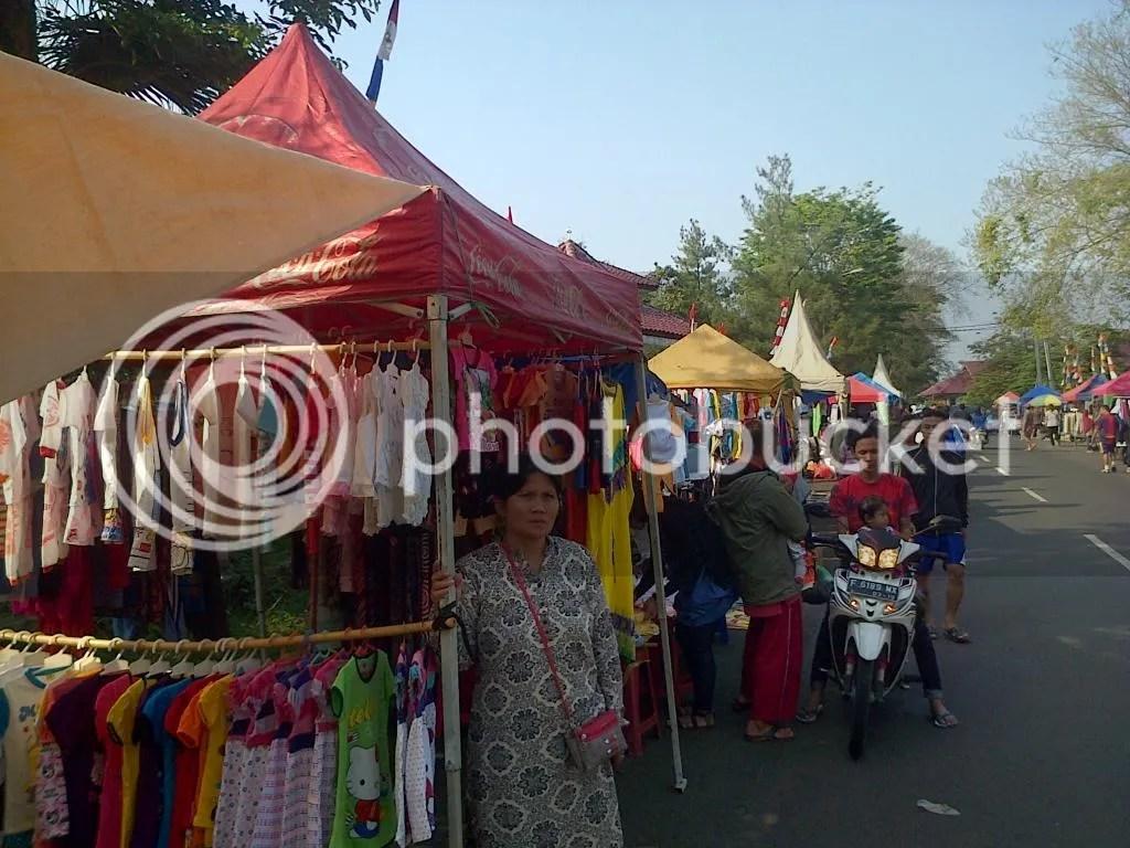 Pasar Kaget Pemda Cibinong