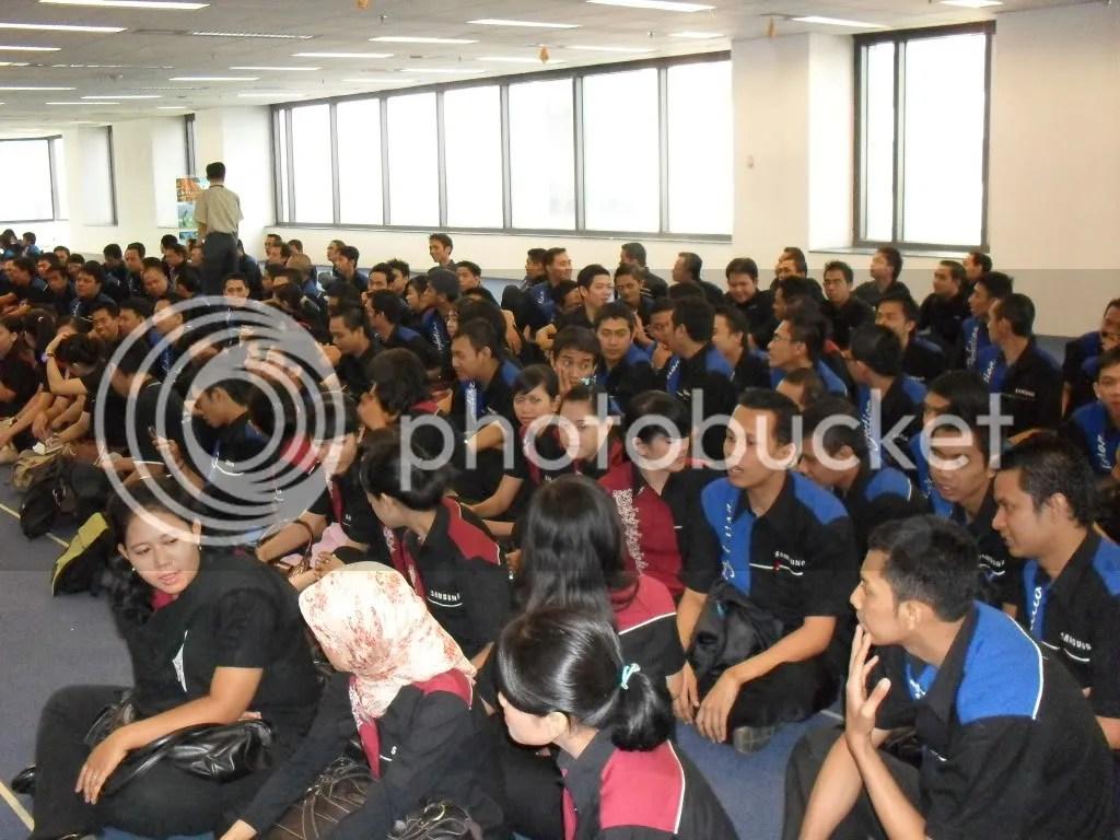 sebelum acara promoter kumpul di aula Samsung BEJ Lt.7 tower 1