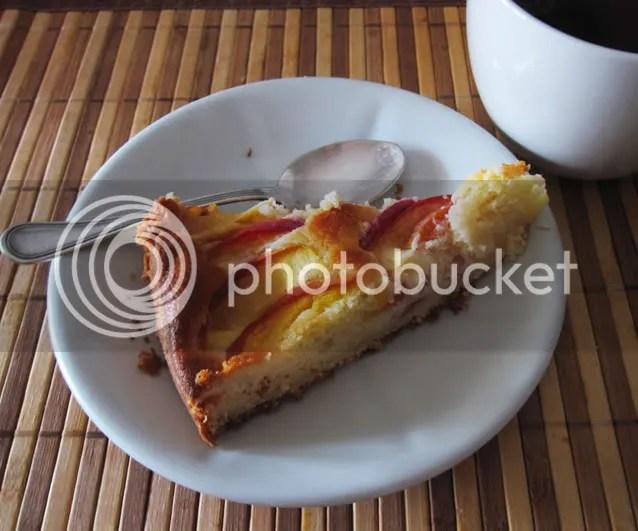 torta morbida di pesche noci e ricotta