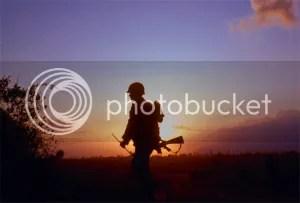 Image result for hình ảnh bữa cơm đạm bạc của người lính vnch