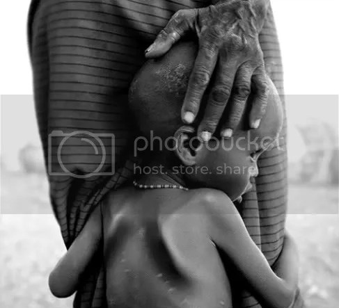Mother and child, Kenya - Image: Rodney Rascona