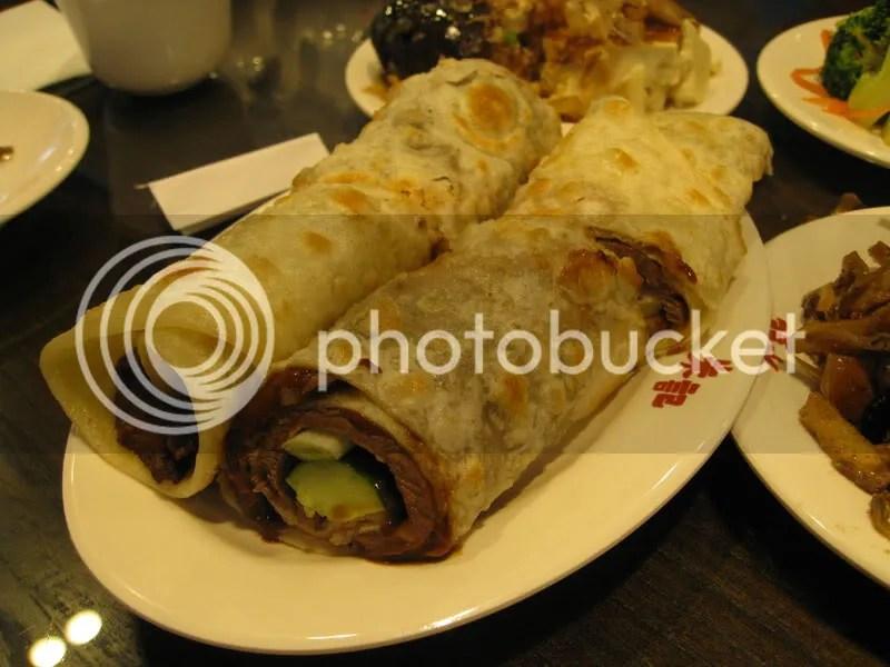Taiwan food SOGO steak rolls