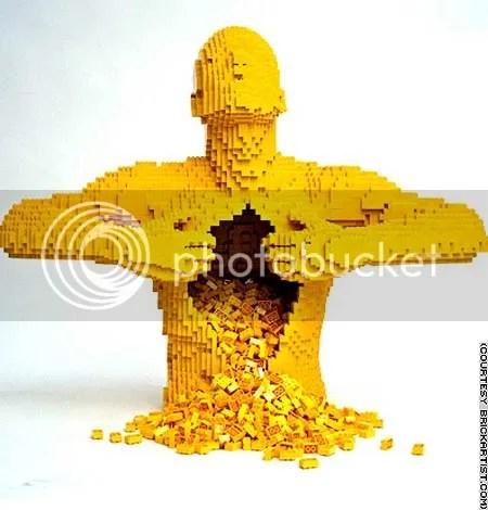 Lego Sculpture, Nathan Sawaya, example of commodity sculpture