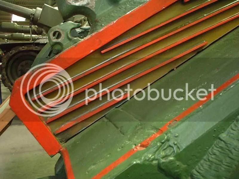 Blindaje BDD en el glasis de un tanque T-55AMB2