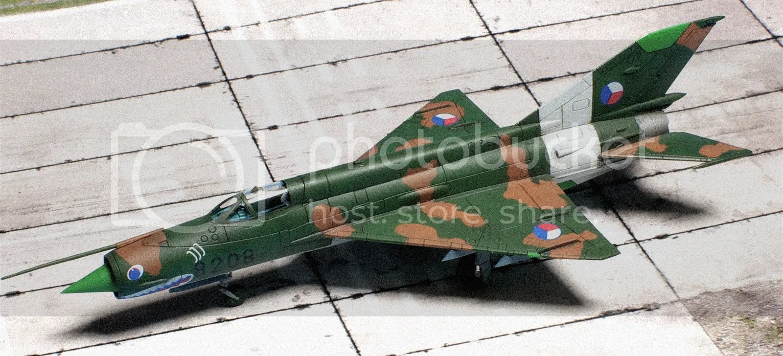 https://i1.wp.com/i780.photobucket.com/albums/yy86/doogsatx/Aircraft/Eduard%20144th%20MiG-21%20Dual%20Combo/file-50.jpg