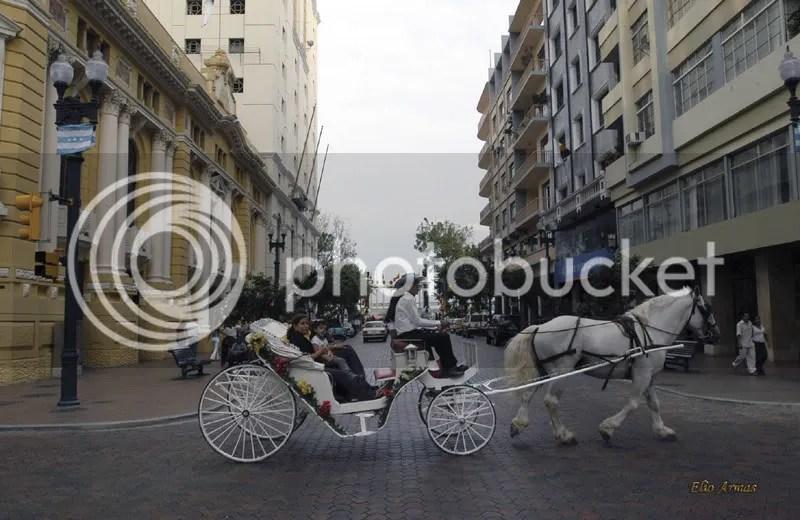PASEO EN COCHE POR LA AV. NUEVE DE OCTUBRE photo guaya15_zpse43c51d0.png