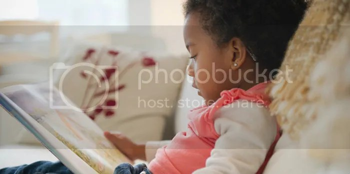 photo black-girl-reading.jpg