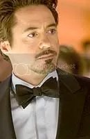 Robert Downey Jr. como Tony Stark