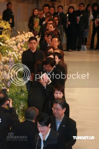 Gallen comforted Joyce Cheng