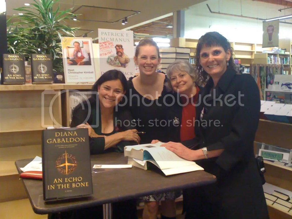 Diana Gabaldon, myself, my mom and my mother-in-law