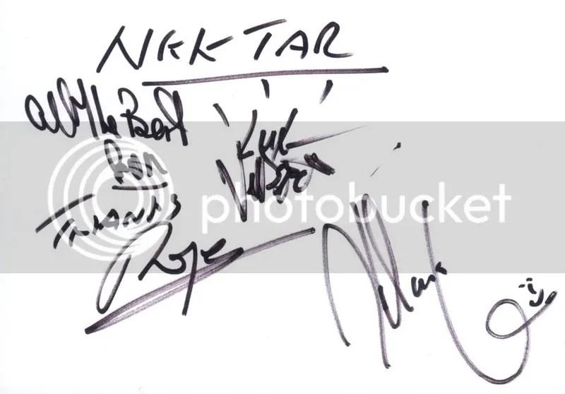 photo Nektar - autographs_zpsepzrvvqb.jpg