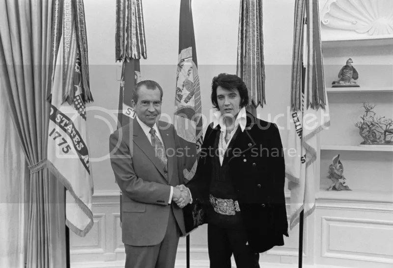 photo Nixon_Elvis Oral Office_zpsue1ixtwo.jpg
