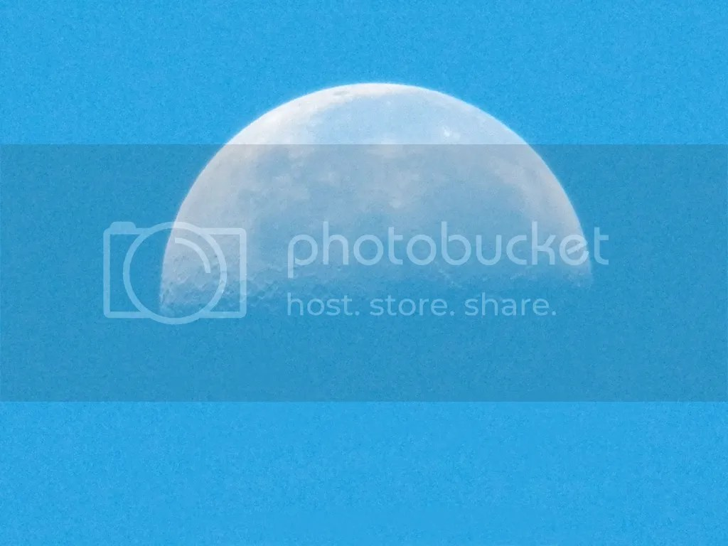 photo moon.jpg
