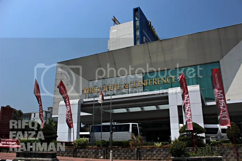 Tampak depan Atria Hotel & Conference Magelang
