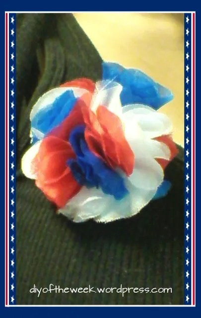 diy flower frill, 4th of july flower frill pin, patriotic flower frill