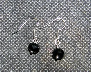 blk earrings